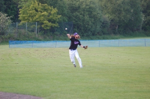 Jones fires to first for the out.